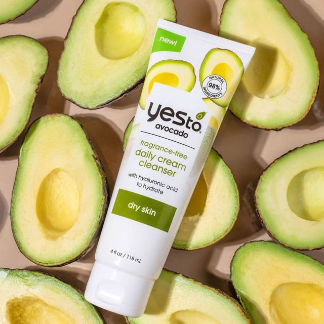 Our #YesTo Avocado Daily Cream Cleanser is formulated with Avocado Oil, Hyaloronic Acid and Glycerin to offer you a luxurious cleanse morning and evening.  The cream gently melts away make-up, whilst working to keep skin ultra soft and moisturised💚  Available at @beautybaycom   #natura #skincare #skincareproducts #skincareroutine #skincarelover #skincareaddict #avocado #vegan #crueltyfree